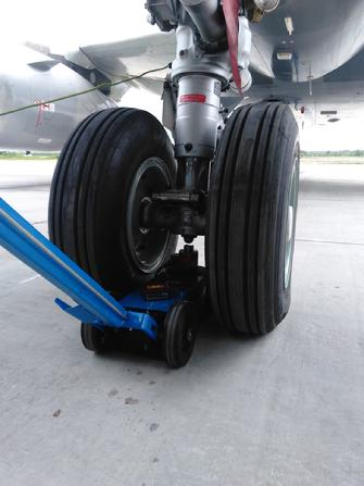 Large jet weighing, aircraft weight and balance, aircraft weighing service, A320 weighing, A320 Weight and balance