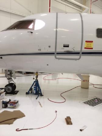 weighing a challenger 601, weighing a challenger, aircraft wireless weighing, weighing wireless aircraft scale system, aircraft scale system