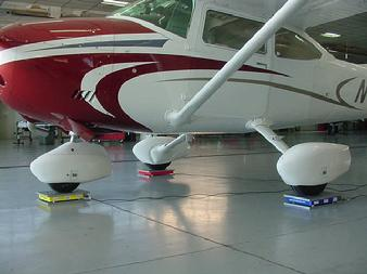 Airplane scale, airplane scale, airplane scales, Cessna scale, cessna 182 on scales, how to weigh a cessna, how to weigh a cessna 182, aircraft scales,